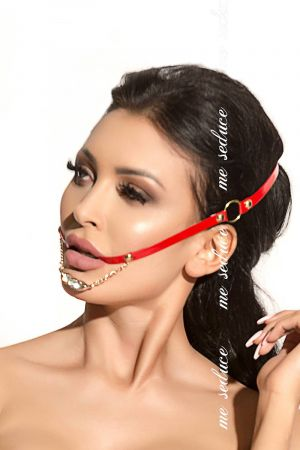 STUDDED BRIDLE RED